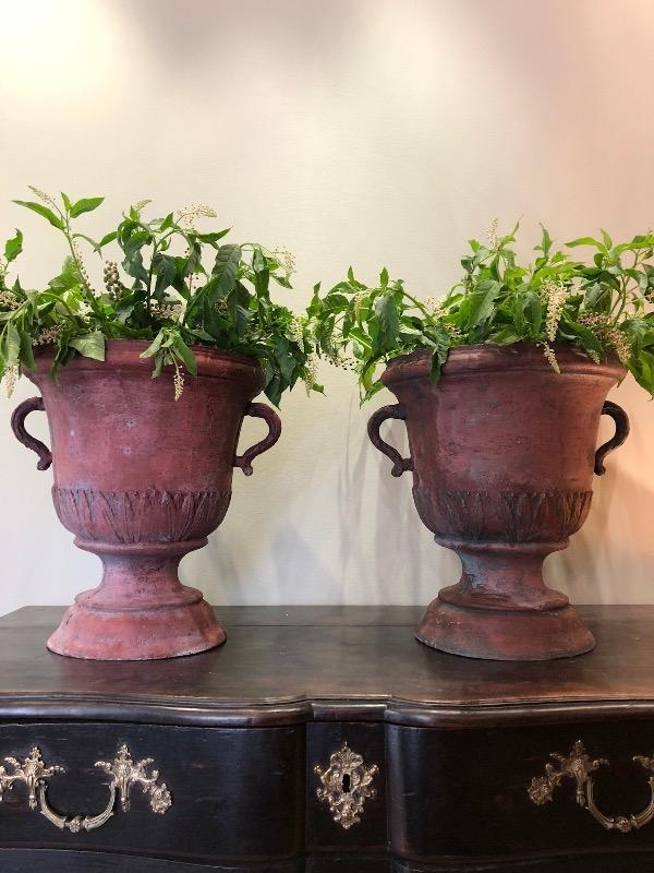 Beautifull pair of cast irons urns directoire Périod