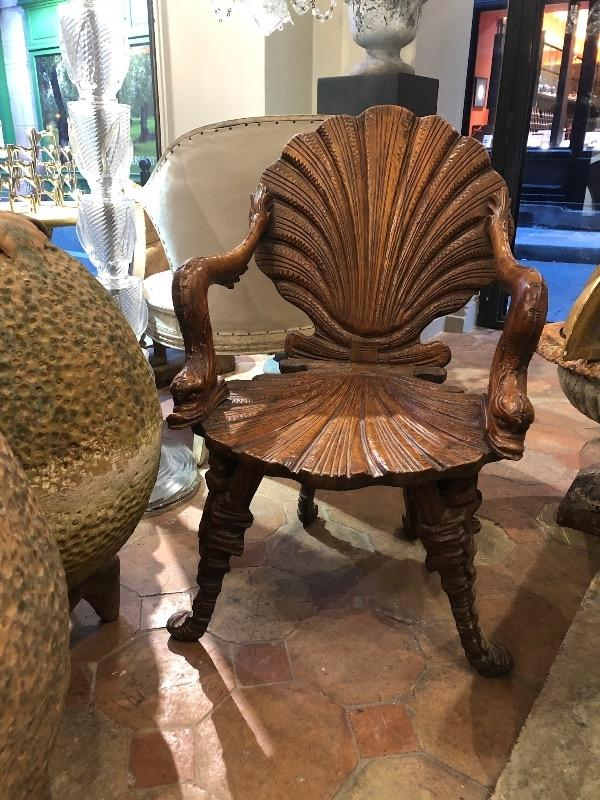 Grotto chair in walnut 19th c